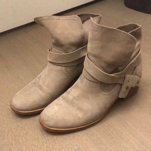 Ugg elora boot with stacked wooden heel